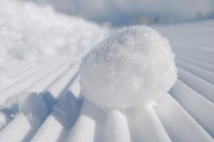 učinek snežne kepe